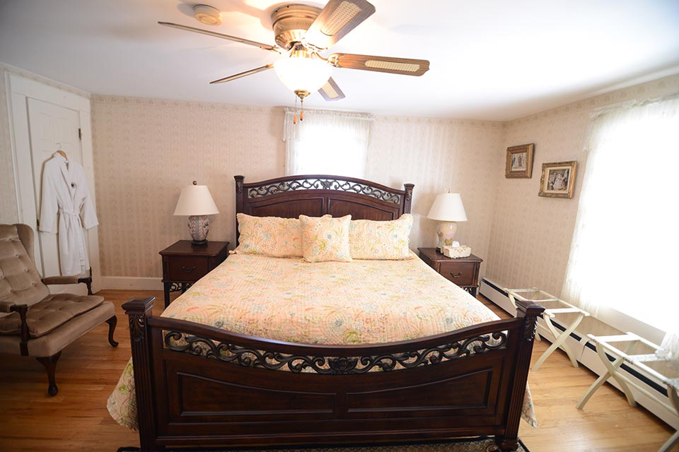 Mountain View Bedroom with king bed