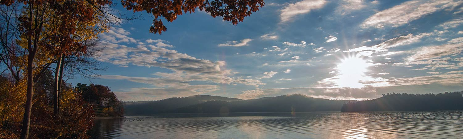 Schroon Lake shoreline in autumn