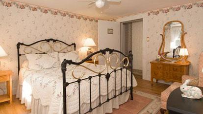 Leland room bed
